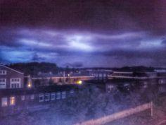 Blaue Wolken in der Nacht