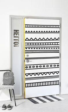 MY DIY | B&W Graphic Door | I SPY DIY