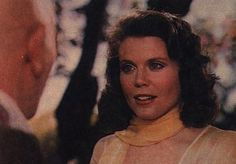 I actually really like Anne Reinking's hair in the 1982 movie...she has a few looks...