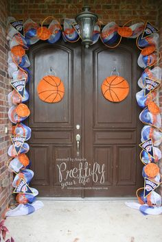 Hi Crafters!    My latest doorscape is in honor of the OKC Thunder who one Game 1 in the NBA Finals last night.  Go Thunder!!!  I had a lot...