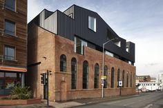Shoreham Street by Project Orange - a modern roof hug in Shoreham UK