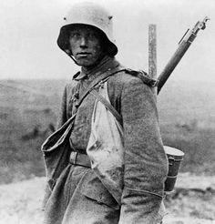 A young German Sommekämpfer in 1916. Photo: Bundesarchiv.