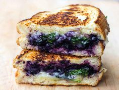 Balsamic Blueberry Grilled Cheese - grilled cheese sandwiches are definitely a favourite comfort food of mine, but these just took it to the next level! Sandwich Toaster, Soup And Sandwich, I Love Food, Good Food, Yummy Food, Grilled Cheese Recipes, Grilled Cheeses, Blueberry Recipes, Food To Make
