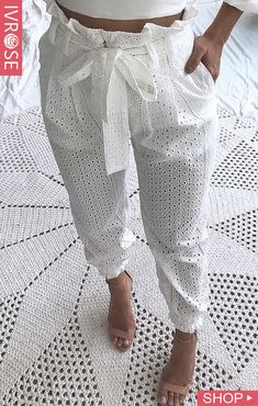 Paperbag Waist Eyelet Embroidery Casual Pants Source by de moda Casual Wear, Casual Pants, Casual Outfits, Summer Outfits, Casual Attire, Fashion Pants, Fashion Dresses, Fashion Top, Moda Fashion