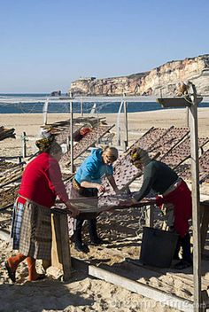 nazare portugal - Google Search Visit Portugal, Old Photos, Places To Visit, Fair Grounds, Google Search, Travel, Gone Fishing, Old Pictures, Pisces