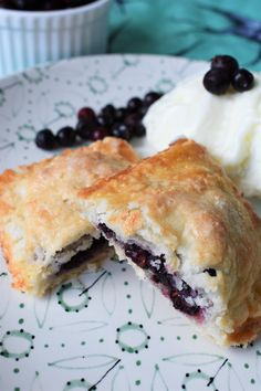 A flaky crust filled with fresh Saskatoon berries, cooked until the perfect golden brown. Saskatoon Berry Recipe, Puffed Wheat Squares, Classic Desserts, Hand Pies, Sassy, Harvest, Muffins, Berries, Dessert Recipes