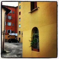 Bologna: behind the corner - Instagram by natalikkaru