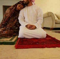 Muslim Couple Quotes, Cute Muslim Couples, Cute Couples Goals, Quran Quotes Love, Islamic Love Quotes, Arab Couple, Muslim Couple Photography, Muslim Images, Islam Marriage