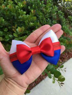 Inspired in prince Eric Ribbon Hair Clips, Hair Ribbons, Ribbon Bows, Fancy Bows, Cute Bows, Prinz Eric, Homemade Bows, Disney Hair Bows, Hair Bow Tutorial