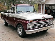 Nice Ford Ride Of The Week - Ford Truck Enthusiasts Forums Cool Cars Classic Pickup Trucks, Old Pickup Trucks, Old Ford Trucks, Ford Classic Cars, Diesel Trucks, Ford Diesel, Chevy Classic, Farm Trucks, 1966 Ford F100