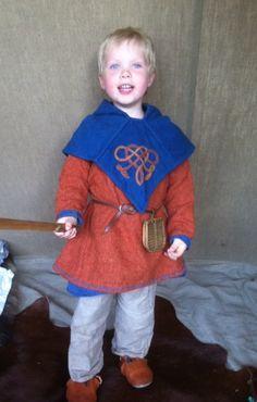 Emil i sit vikingetøj... husker ikke årstallet, men måske 2012?!