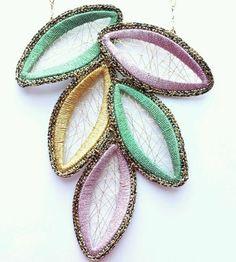 Fashion Women Jewelry Handmade Necklace with Metallic Yarn Sterling Silver Chain