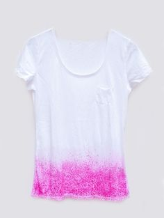 simply sprinkle dry powder dye onto the t-shirt while it is still wet and allow it to dry before rinsing | Dipped & Speckled: DIY Dye Idea « THE YESSTYLIST