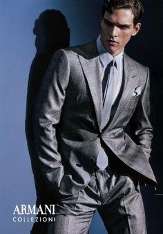 ARMANI Su Misura Stylish Mens Fashion, Stylish Menswear, Men's Fashion, Matthew 25, Giorgio Armani, Men's Wardrobe, Jacket Buttons, Fashion Stylist, Mens Suits