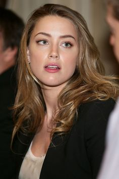Amber Heard - 2014 Texas Film Awards Press Conference, Amber Heard Style, Outfits and Clothes. Amber Heard Age, Amber Heard Style, Amber Heard Makeup, Amber Head, Beauté Blonde, Beauty Full Girl, Beauty Girls, Celebrity Hairstyles, Beautiful Actresses