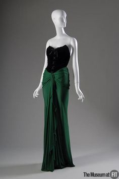 Theirry Mugler Evening dress 1987. Totally not period but love this look!