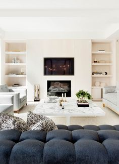 39 Modern Chic Farmhouse Living Room Design Decor Ideas Home - Barended Home Fireplace, Living Room With Fireplace, Fireplace Design, New Living Room, Living Room Interior, Home And Living, Small Living, Beach Fireplace, Fireplace With Bookshelves