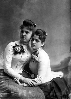 Mattie Houstoun and Sadie Williams, Tallahassee, 1895.  #Victorian #women #fashion