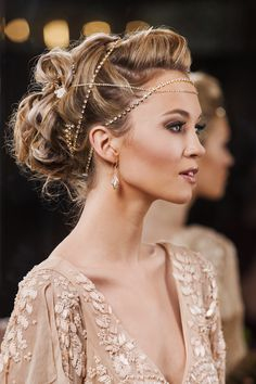 ~  we ❤ this! moncheribridals.com  #bridalheadpiece