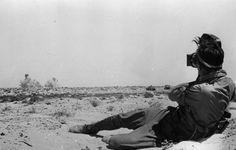 https://flic.kr/p/fZ6TpW   Afrique du Nord, Un kriegsberichter de l'Afrika Korps film une scène de combat