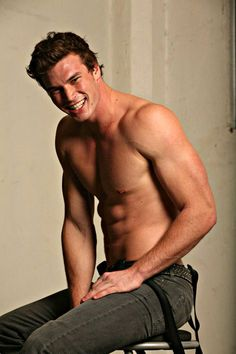 derek theler...he's on Baby Daddy and I love him... I should be with him
