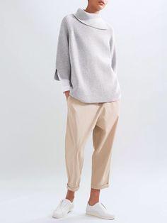 Comfy nude and grey minimal look.