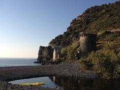 La Marine de Negru et sa tour génoise. Photo Elena Casini. Corsica, Cap Corse, Le Cap, Tour, Monument Valley, Photos, France, Water, Travel