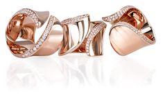 C&C Gioielli is een unieke en succesvolle juwelencollectie van Italiaanse bodem. Ontdek zowel mooie klassiekers als uitgesproken ontwerpen. Steeds afgewerkt met pure materialen van hoogstaande kwaliteit. Unique Diamond Rings, Diamond Gemstone, Gemstone Jewelry, Diamond Jewelry, Gold Jewelry, Jewelry Rings, Jewelery, Fine Jewelry, Unique Jewelry