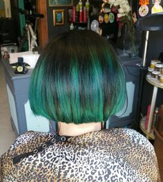 Just a neck tidy up and blow dry #turquoisehair #bob