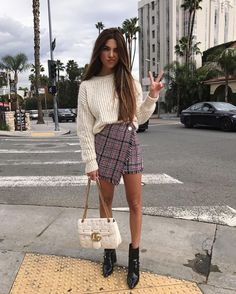 5 Stylish Ways To Wear A Chunky Sweater Right Now - The Closet Heroes