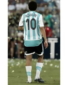 Football Referee, Football Players, Batman Wallpaper, World Class, Fifa, Roman, Legends, River, Instagram