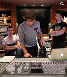 can't wait for the new album! Hurry up guys!!!!