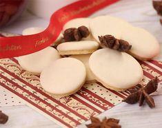 Würzig, fluffig und süß: Selbst gemachte Anisplätzchen schmecken zum Adventskaffee oder einfach zwischendurch aus der Keksdose. Im Video