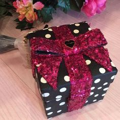 Betsey Johnson Present HOLIDAY GIFT BIRTHDAY CHRISTMAS Sequin Bow Cross-body bag    eBay
