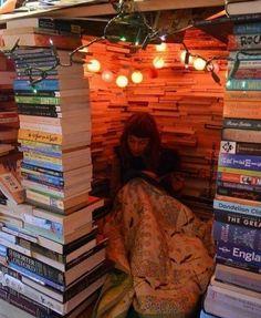 Kitaplık kurmak, tapınak yapmak kadar kutsaldır. Victor Hugo