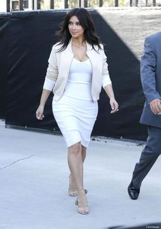 Veste blanche kim kardashian