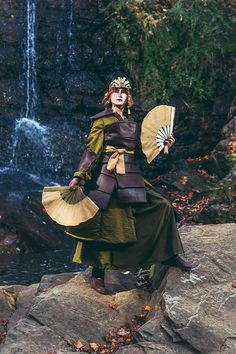 Kyoshi Warrior from Avatar the Last Airbender Cosplay Avatar Cosplay, Epic Cosplay, Cosplay Diy, Amazing Cosplay, Halloween Cosplay, Cosplay Style, Zuko, Kyoshi Warrior, Avatar Kyoshi