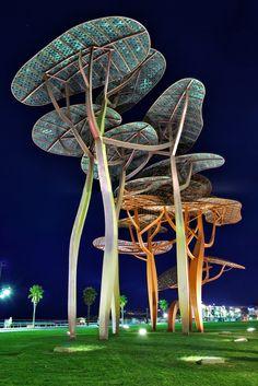 La Pineda: sculptures by Javier Mariscal