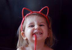 Serre tete chat DIY Diy Mode, Cat Ears, Diy For Kids, Fascinator, Headbands, Hair Accessories, Halloween, Celebrities, Children