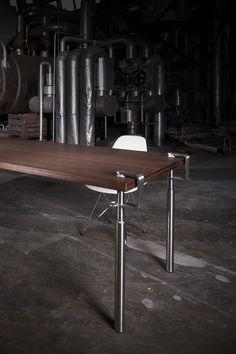 Create your own Design Table. All you need is a flat surface! #table #legs #clamp #grip #create #diy #designidea