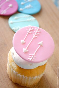 Hand Piped Arrow Edible Cupcake Toppers by SwtLvndrBkeShpe on Etsy, $14.00