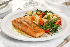 11 diétás vacsora, amiből akár repetázhatsz is | Mindmegette.hu Quinoa, Turkey, Diet, Bulgur, Turkey Country