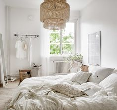 For better sleep, use crisp linens and a light, airy look with a comforter to die for!  #HOUZZ