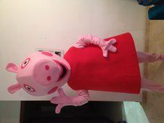 Disfraz de Peppa pig hecho con gomaespuma y otros materiales