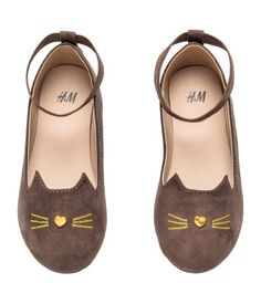 Ballet pumps in imitation suede with embroidered details and cat ears at the front, a loop at the back with an elastic ankle strap, imitation leather lining Cute Outfits For Kids, Toddler Girl Outfits, Cat Shoes, Shoe Boots, Baby Girl Shoes, Girls Shoes, Taupe Shoes, Suede Shoes, Ballerina Shoes