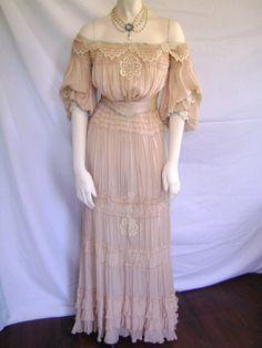 1900 PINK SILK BLUE VELVET RIBBON & LACE APPLIQUE DINNER ENSEMBLE DRESS GOWN
