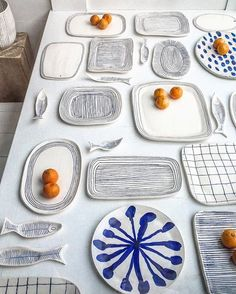 blue and white forever [ pottery by Hudson based Paula Greif - by We've all seen hand drawn loose shapes on plates before but this is clever because the shape of the plates is organic too. Ceramic Clay, Ceramic Plates, Ceramic Pottery, Ceramic Painting, Keramik Design, Creative Company, Minimalist Furniture, Pottery Classes, Paperclay