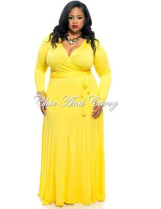 Ten Flirty and Playful Yellow Plus Size Dresses at Every Price! The Curvy Fashionista Yellow Dress With Sleeves, Yellow Plus Size Dresses, White Maxi Dresses, Dresses With Sleeves, Curvy Fashion, Plus Size Fashion, Dress Fashion, Yellow Wedding Dress, Dress Wedding