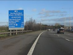 M5 Motorway - route confirmatory sign north of junction 5 by Peter Whatley