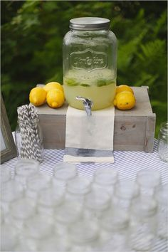 lemonade drink stand
